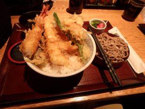 美味しかった麺串の海老天丼セット